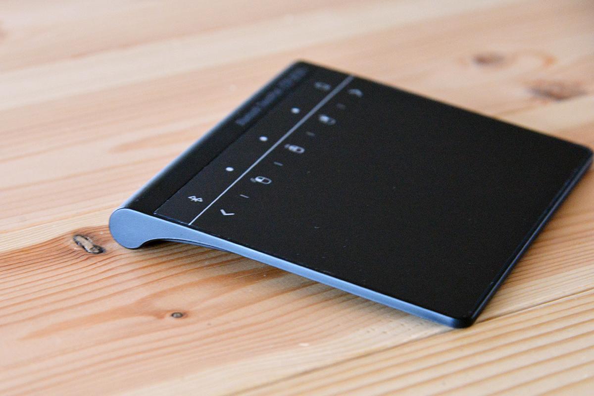ケーブル不要!ワイヤレスで接続できるWindows10専用の外付けBluetoothタッチパッド
